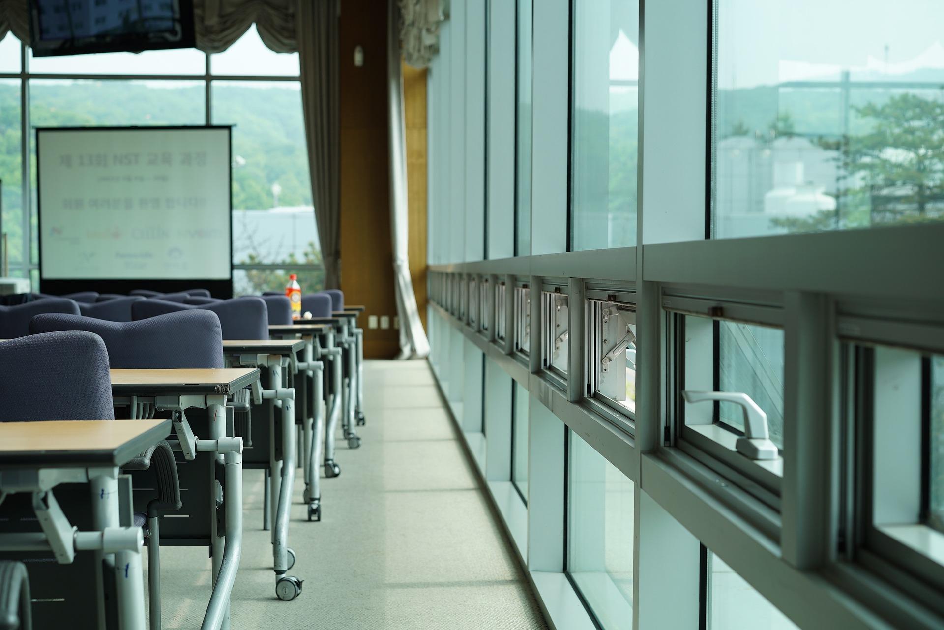 Enobox Experiencias te soluciona la localización de espacios para jornadas de formación de empresas.